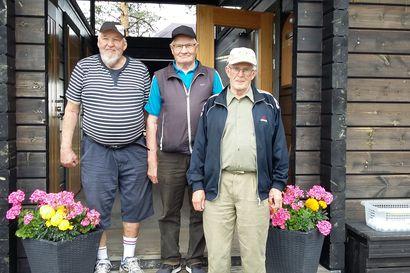 Golfmestaruudet jaossa – Kuusamo Golfin senioreiden mestaruuskisoissa kilpailtiin  ensi kertaa myös 80-vuotiaiden sarja