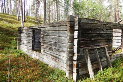 """Suomen ensimmäinen rajavartiotupa rapistuu Urho Kekkosen kansallispuistossa –""""Rajavartiosotilaat olivat saaneet Rovaniemeltä käteensä vain kirveet ja kaksi ikkunaruutua"""""""