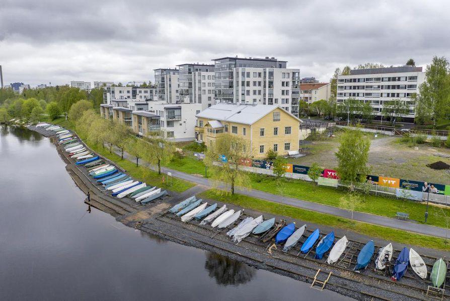 Hartaanselän soutuvenepaikkoja. Venepaikoista on Oulussa pulaa.