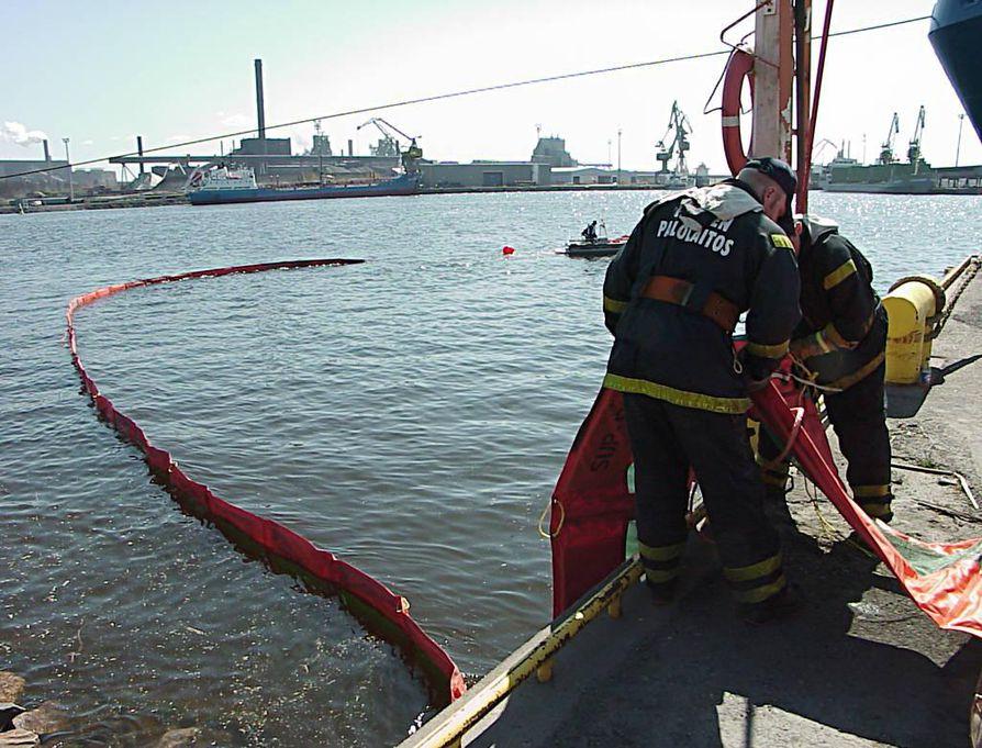 Ympäristökeskuksen mielestä suomalaisia öljypuomeja ei riitä Meksikonlahdelle.
