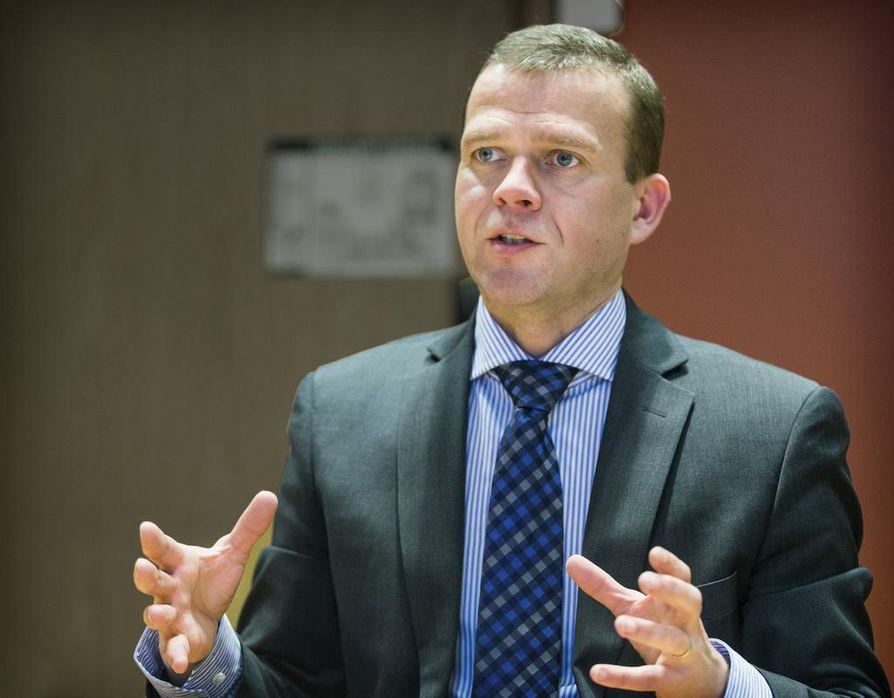 Sisäministeri Petteri Orpon työsähköpostiin tuli kesäkuussa viesti, jossa hänet uhattiin murhata.