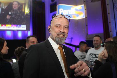"""Perussuomalaisten kansanedustaja kutsui ministereitä """"perserei'iksi"""" – Tavio: Ei anna aihetta seuraamuskeskustelulle eduskuntaryhmässä"""