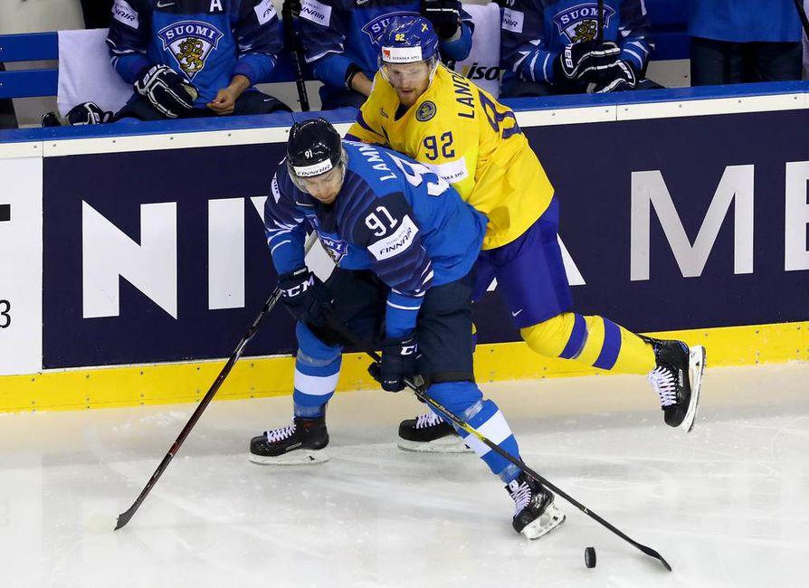 Koen, että minun pitää kehittyä pelaajana, ja Kärpät on tällä hetkellä paras vaihtoehto, Juho Lammikko sanoo. Kuva tämän vuoden 2019 MM-kisoista.
