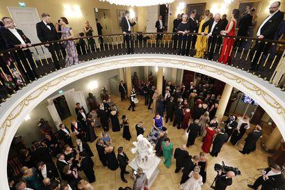 Linnan juhlat: Näin lappilaiset vieraat juhlivat – Kokosimme kaikki jutut lappilaisvieraista