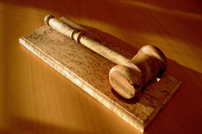 Hailuodon kunnanhallitus käsittelee tilapäisen valiokunnan asettamista – valiokunta voidaan asettaa esimerkiksi luottamushenkilön erottamista ja kunnanjohtajan irtisanomista varten