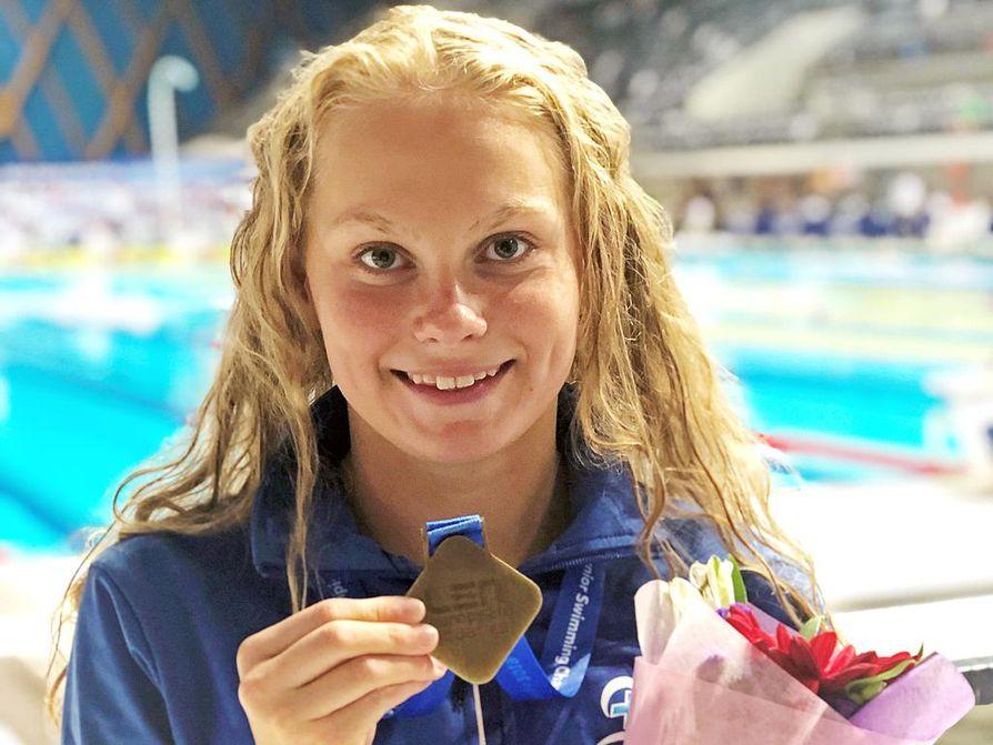 Laura Lahtinen pokkasi 50 metrin perhosuinnista nuorten EM-pronssia heinäkuussa Venäjällä. Lahtinen aloitti MM-uinnit komeasti Etelä-Koreassa kauhomalla  uuden Suomen ennätyksen 400 metrin vapaauinnissa.