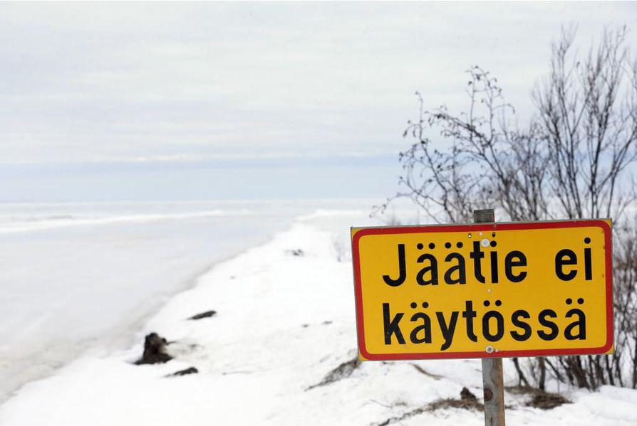 Hailuodon jäätie suljetaan sunnuntai-iltana.