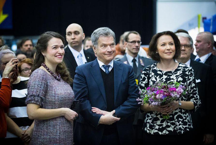 Presidentti Sauli Niinistö ja rouva Jenni Haukio vierailevat Oulussa Suomi 100 -juhlavuoden päätapahtumassa lauantaina.