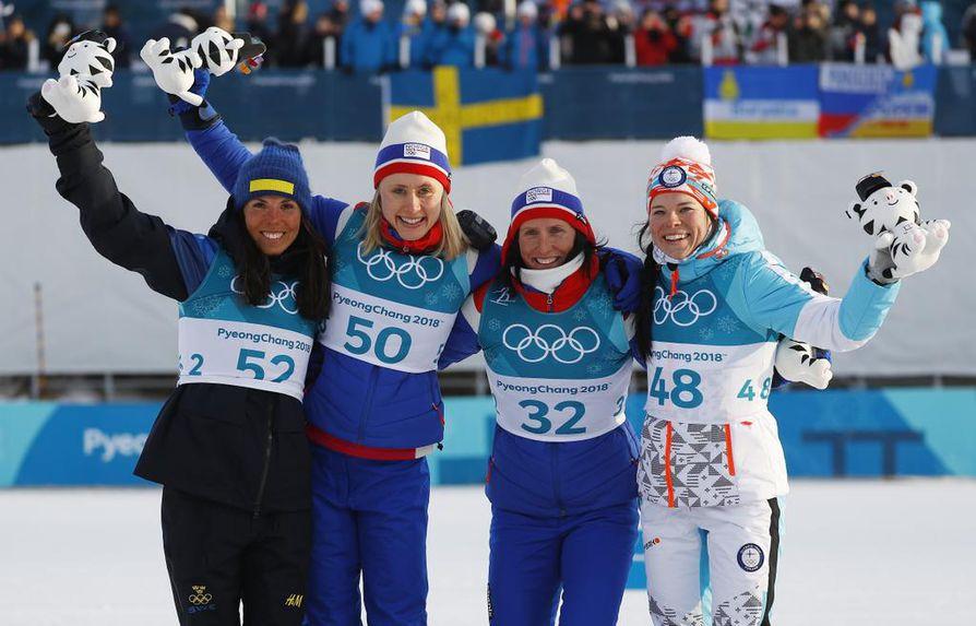Palkintosijoilla nähdään poikkeuksellisesti neljä urheilijaa: hopealle hiihtänyt Ruotsin Charlotte Kalla, kultamitalisti Norjan Ragnhild Hala, sekä pronssimitalistit Norjan Marit Björgen ja Suomen Krista Pärmäkoski.