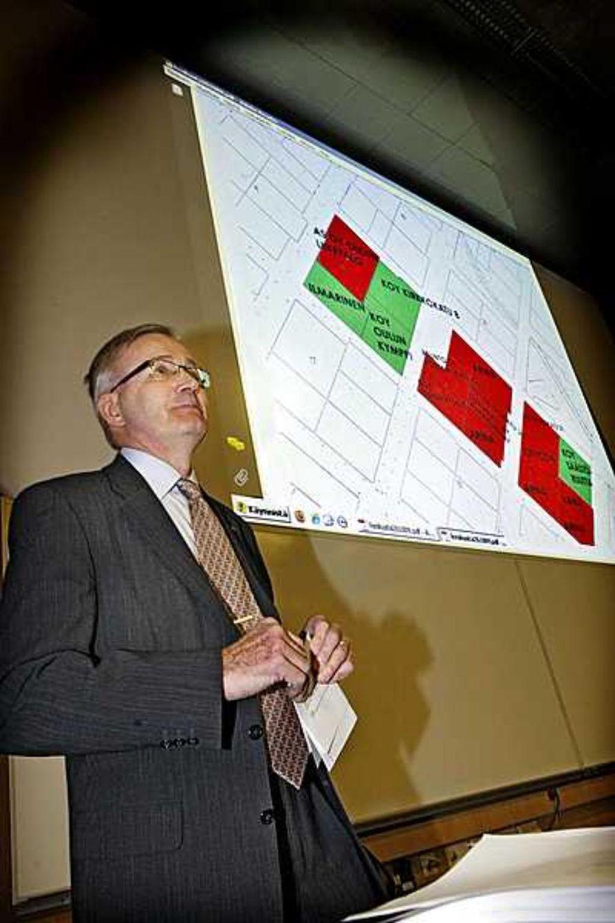 Oulun kaupunginjohtaja Matti Pennanen esitteli maanantai-iltana kaupungin ensi vuoden budjetin.