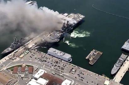 Ainakin 21 loukkaantunut sotalaivan palossa Yhdysvalloissa, aluksessa ei ollut ammuksia