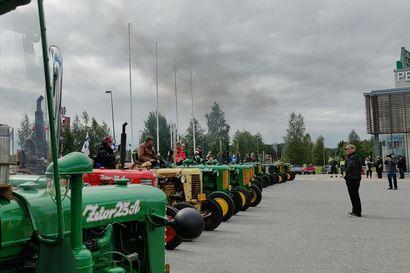 Raahen Seudun Zetoristit antoivat ilmoille Zetor-sinfonian Kuusamossa.