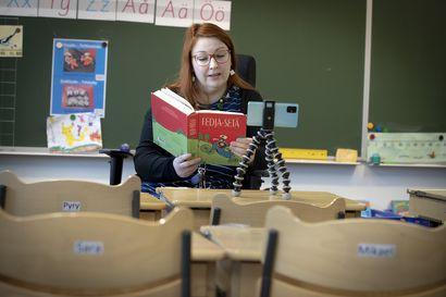 Kun koronavirus sulki Suomen, ihmiset innostuivat auttamaan – naapureille ja maatiloille tarjotaan apukäsiä, opettaja perusti Youtube-kanavan etäoppilaiden tueksi