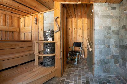 """Tiesitkö, että saunojen tumma trendi vie juurille: """"Se on sukellus saunan ytimeen ja kansakunnan muistiin"""" –Onko sinulla Koillismaan upein sauna?"""