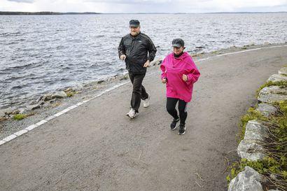 Heikki ja Kaisa Hakala innostuivat juoksemisesta oman ja lähipiirin hämmennykseksi juoksukoulumme avulla – Lukijoiden toiveesta kokosimme vinkit jatko-ohjelmaan
