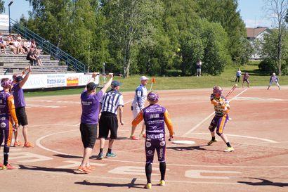 Sotkamo romahti totaalisesti Vimpelissä, kahdeksan juoksun johto kääntyi tappioksi – KPL lopetti tylysti JoMan kultamarssin
