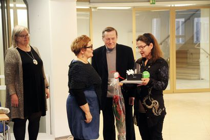 Tuula Sykölle ja Karvakavereille tunnustuspalkinnot – vapaaehtoistyö nousi keskiöön Meri-Lapin järjestömessuilla