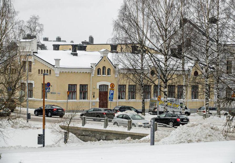 Rakennus on  tehty arvioiden mukaan 1820-luvun loppupuolella. Aluksi talossa toimi yleinen sauna.