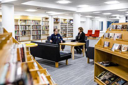 Remontoitu musiikkikirjasto tarjoaa Rovaniemellä tiloja sekä soittamiseen että muuhun työskentelyyn – Perjantain avajaisissa mukana muusikko Sami Yaffa