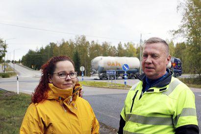 Helpotusta Simon liikennesolmuihin - karvalakkilähetystö ministeriössä