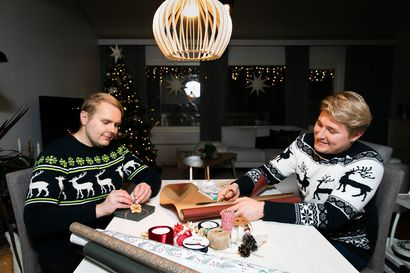 Kaunis paketti on puoli lahjaa, tietävät bloggaajat Jani Koskinen ja Aleksi Lindberg: Näillä vinkeillä tumpelokin paketoi joululahjat kauniisti ja persoonallisesti