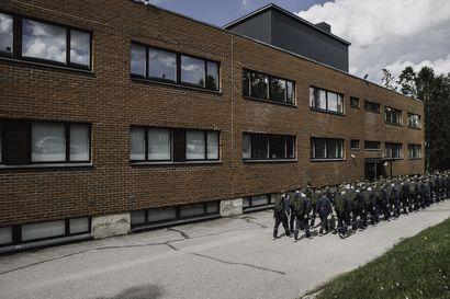 Puolustusministeriö ei kertonut henkilöstöryhmille alueellistamisselvityksestä - työntekijät äimän käkenä