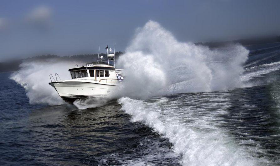 Veneveron määrä olisi lausunnolla olleen lakiluonnoksen mukaan 100-300 euroa vuodessa. Lakiesitykset vene- ja moottoripyöräveroista oli määrä antaa eduskunnalle helmikuun aikana.