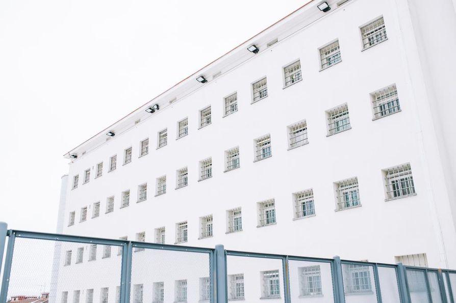 Rikosseuraamuslaitoksen johto kartoitti vankiloiden jengitilannetta ja muita turvallisuusuhkia toukokuussa. Riihimäen vankila on yksi Suomen suljetuimmista vankiloista ja sinne on sijoitettu paljon jengivankeja.