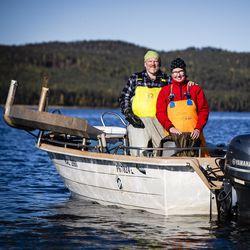 Kun Päivi ja Jukka Sirkkala menivät naimisiin, ystävä lauloi heille Myrskyluodon Maijan – nyt pariskunta kalastaa työkseen Pellon Miekojärvellä ja muistelee kirjanpitäjän ystävällistä varoitusta