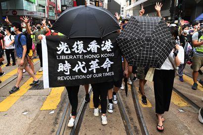 Hongkongissa jälleen mielenosoituksia – uuteen turvallisuuslakiin vedoten tehtiin ensimmäiset pidätykset