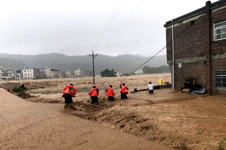 Osa Kiinasta on kärsinyt suurista tulvista alkukesän aikana. Kuva on otettu kesäkuussa Guangdongin provinssista.