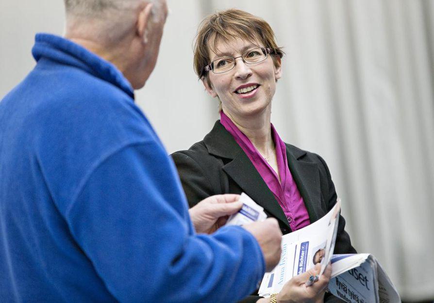 Sari Essayah vierailee tänään Oulussa kristillisdemokraattien valmennuspäivässä. Arkistokuva.