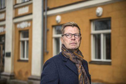 """""""Liian moni maa sooloilee rajamääräyksissä"""" –professori pitää Venäjältä palanneiden koronajupakkaa merkkinä patoutuneista matkustustarpeista"""