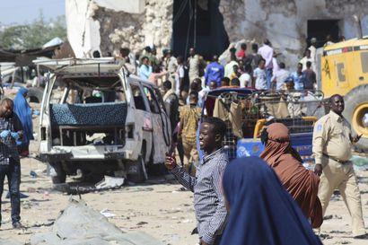 Tuhoisa autopommi-isku tehtiin tarkastuspisteellä Mogadishussa – jopa yli 90 ihmisen pelätään kuolleen