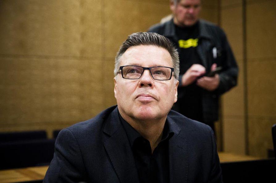 Helsingin huumepoliisin entinen päällikkö Jari Aarnio hakee valituslupaa korkeimmalta oikeudelta.