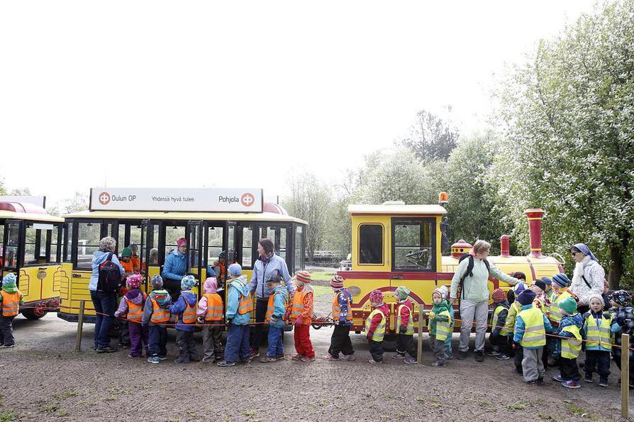 Potnapekka tarkoittaa nykyisin oululaisille lähinnä kaupungissa liikennöivää minijunaa.