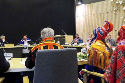 Saamelaisten oikeuksia kehitettävä