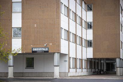 Poliisille vankeustuomio törkeästä lapsen hyväksikäytöstä Raahessa - Poliisipäällikkö: Hyvin poikkeuksellinen tapaus
