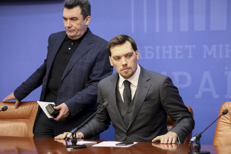 Ukrainan pääministeri Oleksi Hontsharuk vakuuttaa luottavansa presidentti Volodymyr Zelenskyihin.