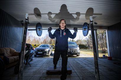 Pyhäjokislähtöinen jääkiekkoilija Aku Kestilä jatkaa pelaamista Ranskassa