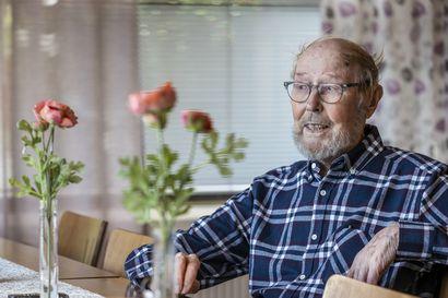 Vanhusten määrä kasvaa ja hoitajia tarvitaan entistä enemmän – hoitajilla on suuri merkitys vanhuksen hyvinvoinnissa