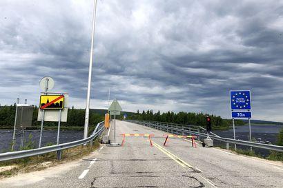 """Ylitornion, Pellon, Kolarin, Muonion ja Karesuvannon rajanylityspaikoilla kulkee nyt vain kymmenisen prosenttia tavanomaisesta liikenteestä – """"Trendi on hyvä"""""""