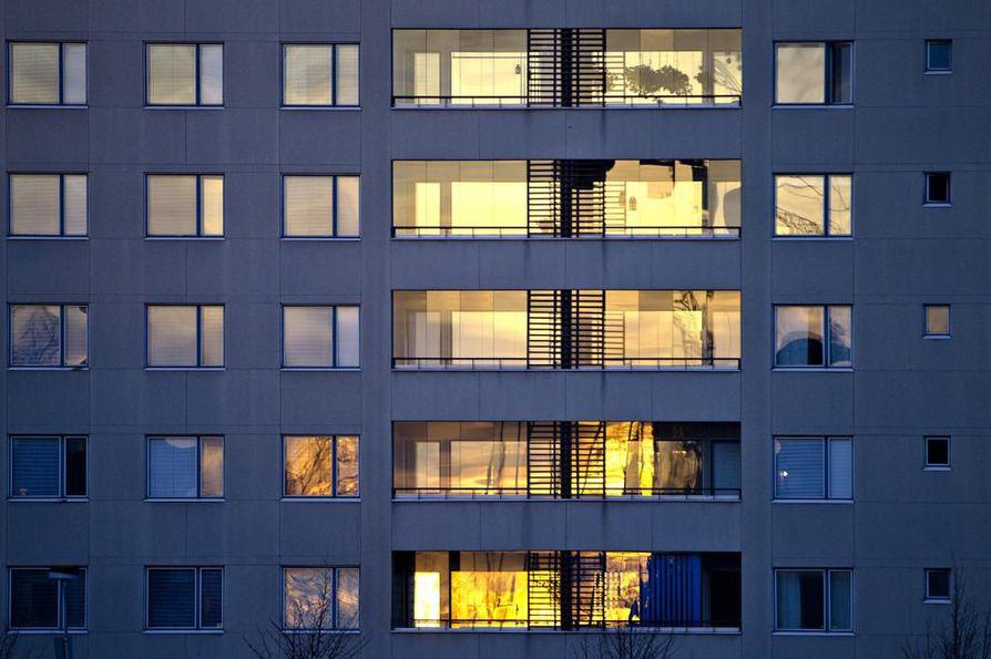 Suomessa on noin 90¿000 asunto-osakeyhtiötä. Asunto-osakeyhtiöiden hoitokulut olivat vuonna 2018 keskimäärin 4,32 euroa huoneistoneliöltä kuukaudessa.