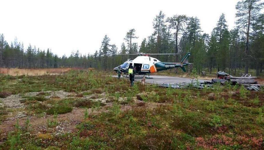 Rajavartiolaitoksen helikopteri osallistui etsintöihin Kemihaarassa tällä viikolla.