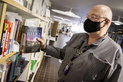 Kirjasto palvelee vielä aatonaattona – Lapin omatoimikirjastoista voi etsiä lukemista joulun pyhinäkin