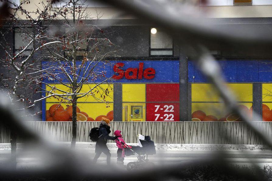 Heinäpään alueella on nykyään useita pieniä ruokakauppoja. Uusin niistä eli Sale Puistolinna avautuu 5. joulukuuta.