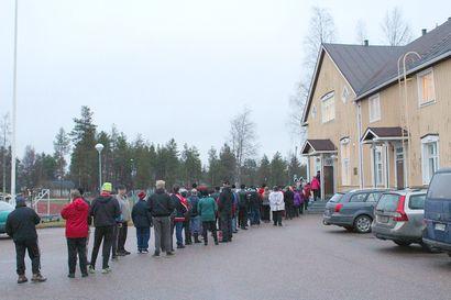 6345 kiloa EU-ruokaa jaettiin Suojalinnalla – paikkallinen ennätys rikki