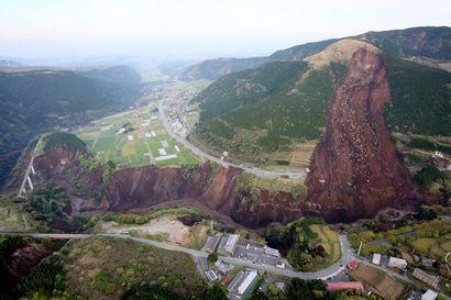 Japanin rankkasateiden uhriluku yli 40 – sateet yltyvät Kyushun saarella