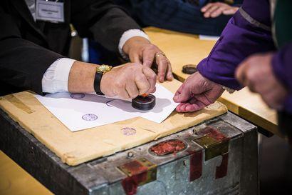 Vaalilautakuntien jäsenistä uupeloa Taivalkoskella – tasa-arvolaista ja varajäsenten määrästä tingittiin