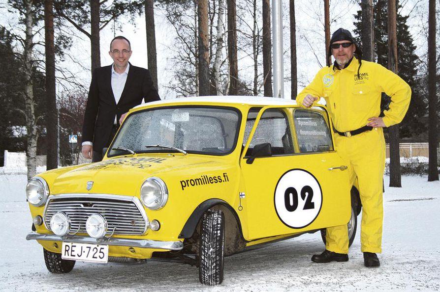 Toimitusjohtaja Petri Särkelä ja Promilless-mies luottavat ralli-Minin ärhäkkyyteen ja vetovoimaan.